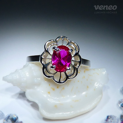 Baroko - prsten s rubínem