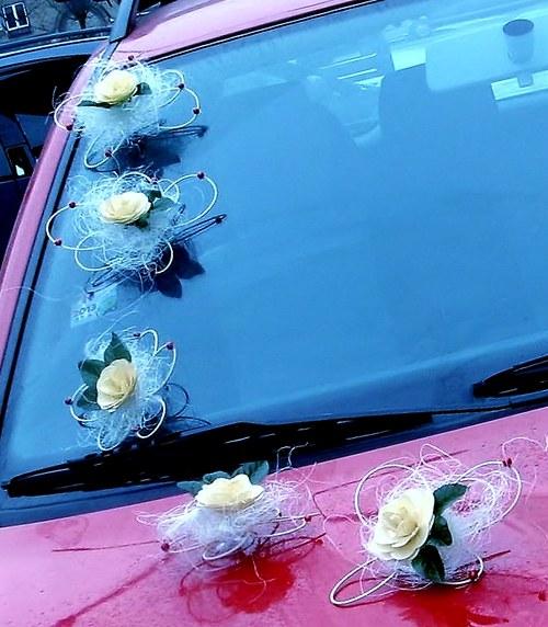 Dekorace na svatební auto - dřevěný květ