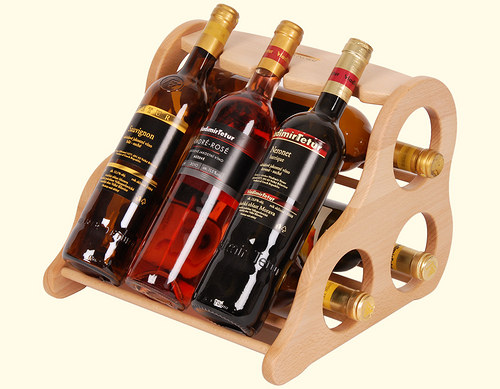 Dřevěná domácí vinotéka na 6 lahví