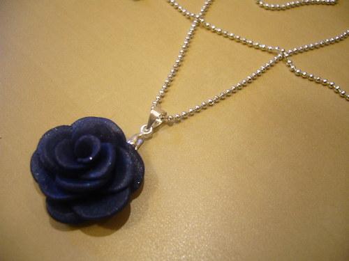 Náhrdelník - růže modrá