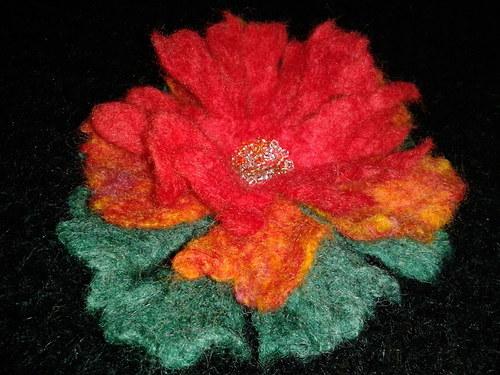 Květina-brož