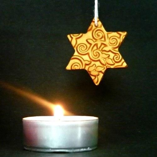 Vánoční ozdoba - zlatá hvězdička