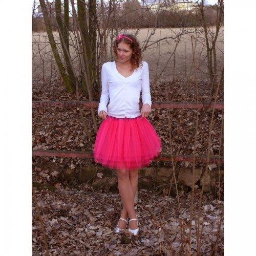 Svítivě růžová tylová sukně