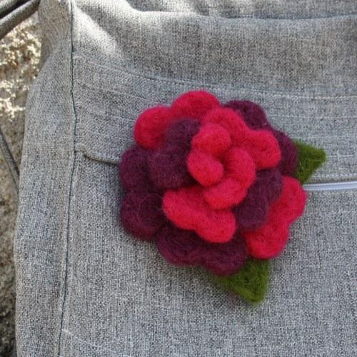 Růžovofialová květina :)