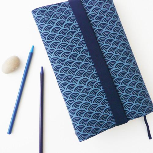 :: vytuněný obal na knihu :: Sevenberry/m