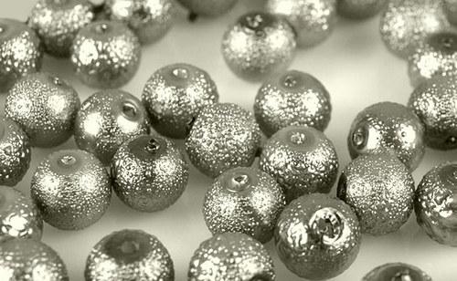 Zvrásněné perly průměr 6mm 20 ks barva sv. šedá