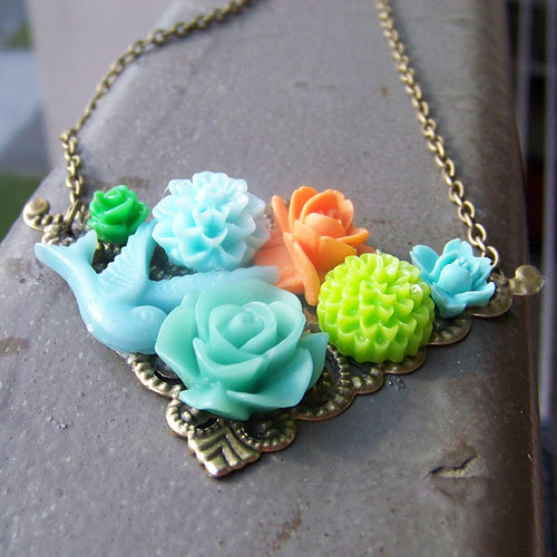 Letní květinový náhrdelník 1