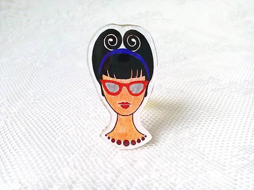 Retro Girl brooch