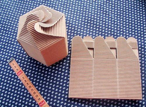Dárková krabička z vlnité lepenky