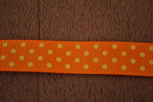 Stuha oranžová puntík