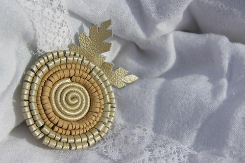 kytinka - zlatá