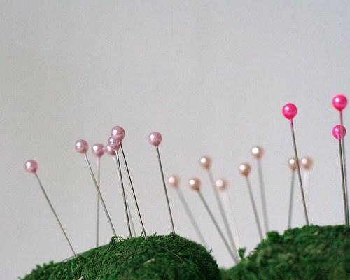 Špendlík jemně růžový 12 ks