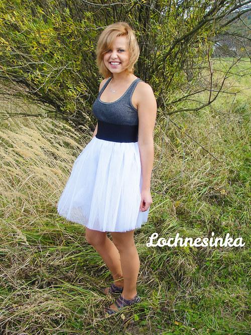 Tylová sukně bílá střední