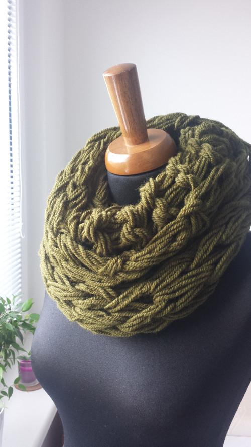 Zelena khaki pletená