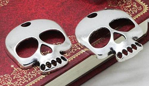 Starostříbrný přívěsek - velká pirátská lebka
