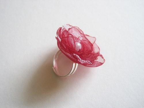 Bordobílý prstýnek na přání