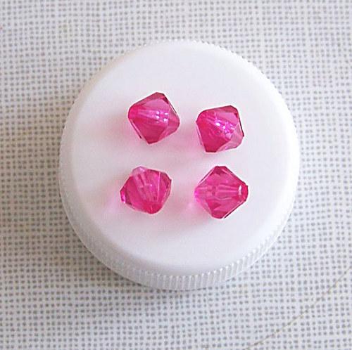 korálky jehlany/ akryl/ tm. růžové/ 8mm/ 30ks