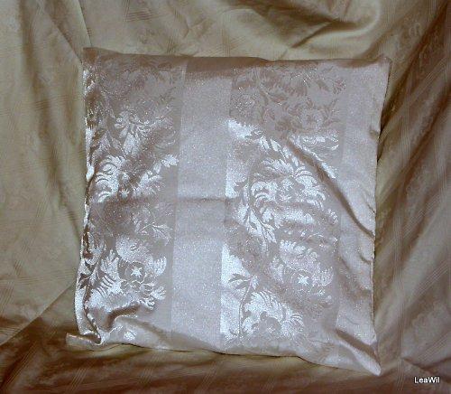Polštář vysokobavlna lesk dekor smetanovo-bílá