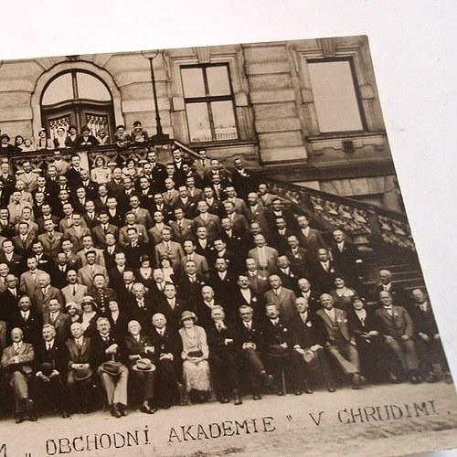 Skupinové foto Obchodní akademie Chrudim - č.1281