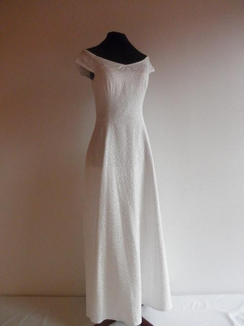 Jednoduché svatební šaty  56 - vel. 40