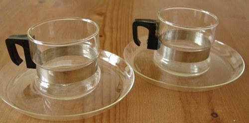 hrnečky z jenského skla