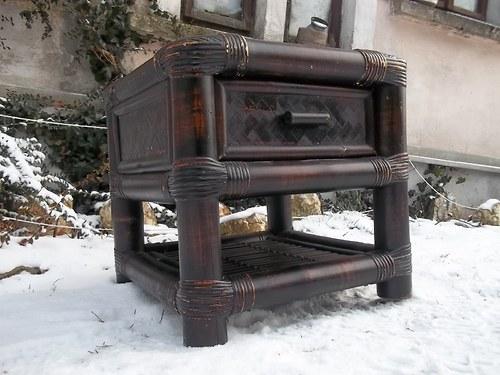 babus - noční stolek