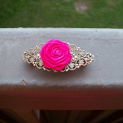 Bronzová filigránová sponka se saténovou růží
