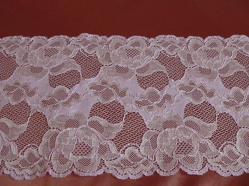 Strečová lila krajka šířka 16 cm, cena za 10 cm