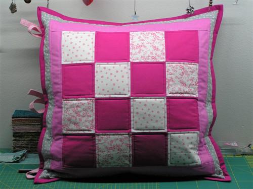 Povlak na polštář růžová šachovnice