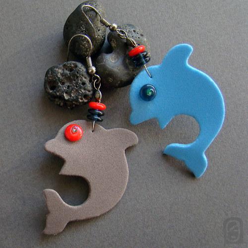 A hrome, jdou po nás delfíni!