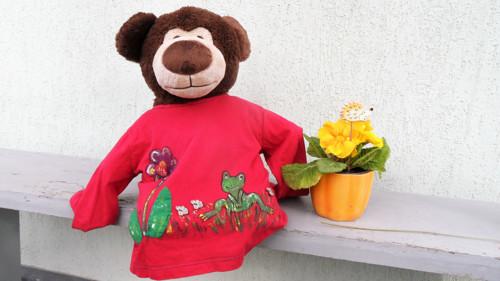 Žabák Eda kamarádí s medvědem