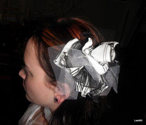 Ozdoba do vlasů černobílá