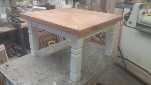 Konferenční stolek ( masivní třešeň)