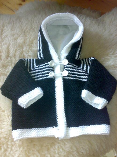 Dětský svetřík černo-bílý