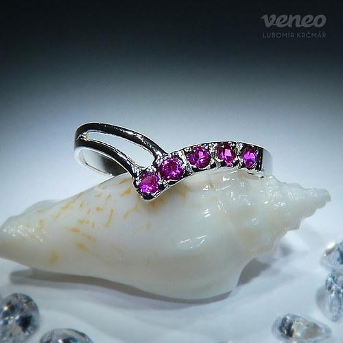 Anita - prsten s rubíny