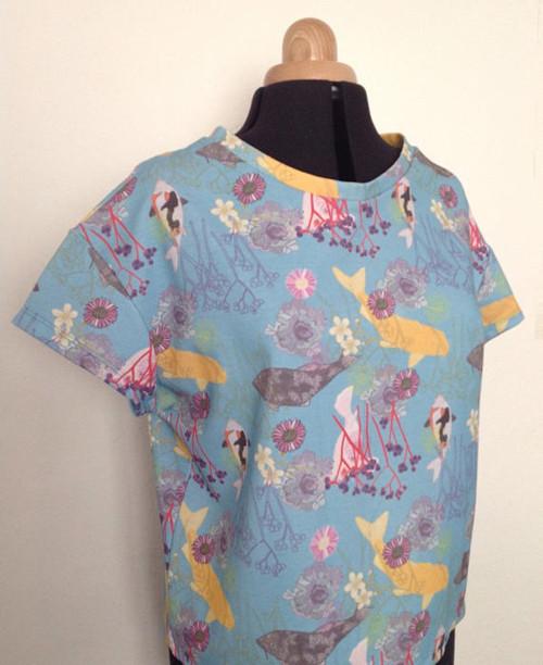 Ručně vyrobené dámské tričko Koi carp