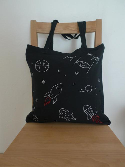 Ručně vyšívaná bavlněná taška