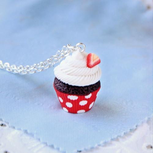 Cupcake jahody+puntíky