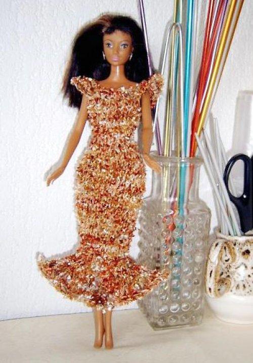 Dlouhé šaty s volánem (E)