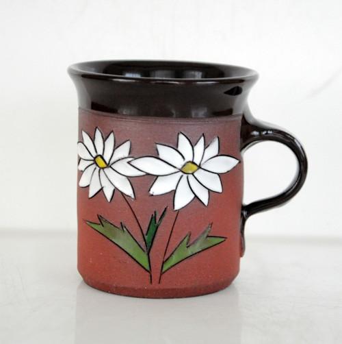 Malé kafe s kopretinou