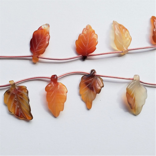 karneol 5 korálky 2,5 x 1,8 cm, 1 kus