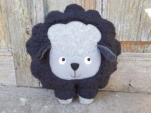"""Hajánek ze statku - černá \""""huňatá\"""" ovečka"""