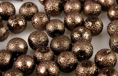 Zvrásněné perly průměr 6mm 20 ks barva hnědá