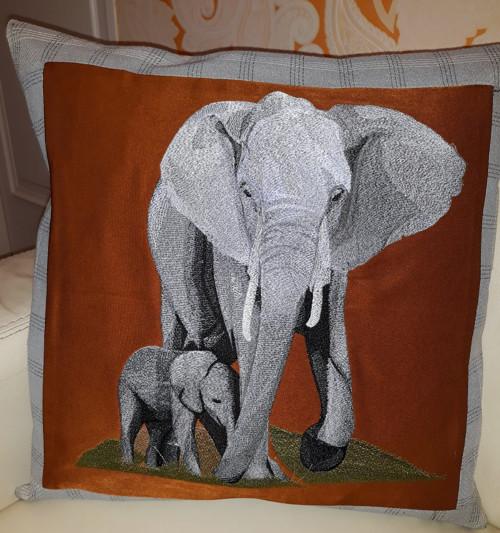 vyšívaný polštář slon