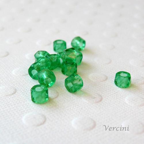 Broušené válečky zelené 10ks