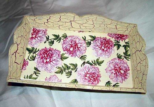 Malovaný květovaný tácek