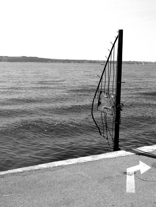 K moři...