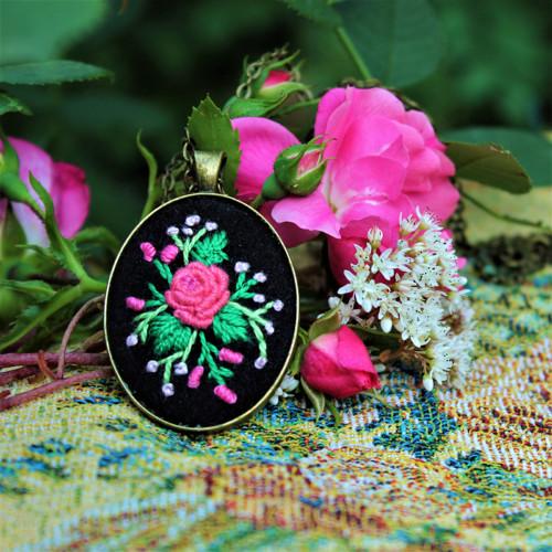 náhrdelník růžička