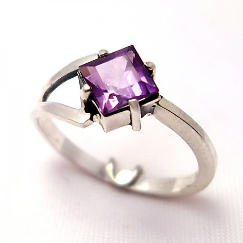 Prsten «Victoria» - stříbro 925, přírodní ametyst