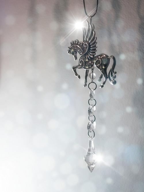 domácí křišťálový šperk - lapač negativní energie